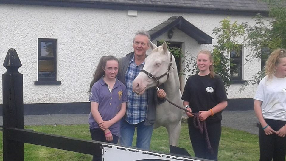 Tony Head visits the Horses